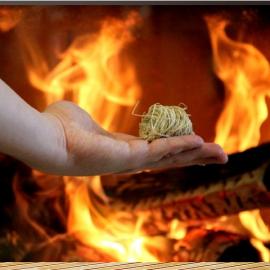 Rozpałki do rozpalania w kominach, piecach, grillach